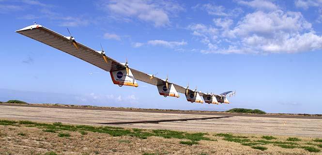 The solar-powered Helios in flight.(Photo: NASA)