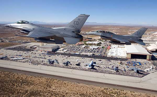Two F-16 Fighting Falcons fly over Edwards AFB during a 2009 air show. (Photo: U.S. Air Force/Chad Bellay)