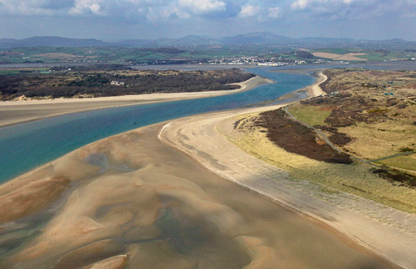 Dundrum Bay on the coast of Northern Ireland is captured by a mapping airplane in a project to document climate change effects. (Photo: DAERA/Bluesky)