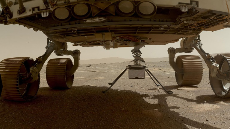 Ingenuity left the rover and rested on the surface of Mars, while NASA ran a slew of preflight checks. (Photo: NASA)