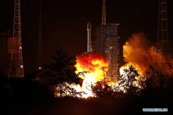 A new BeiDou satellite is launched from the Xichang Satellite Launch Center in southwest China's Sichuan Province, Nov. 5. (Photo: Liu Xu/Xinhua)