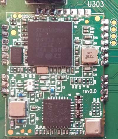 FIGURE 2 The TeseoAPP Evaluation Module, including the STA9100 (TeseoAPP) and STA5635 (external tuner). Photo: Authors