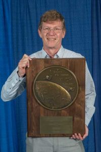 Peter Teunissen receives the prestigious 2019 Johannes Kepler Award from ION's Satellite Division. (Photo: ION)